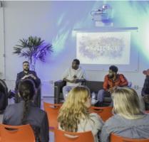 Mesa-redonda sobre as experiências de vida de migrantes e refugiados do Vale do Sinos