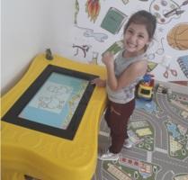 Laura Goulart, de 5 anos