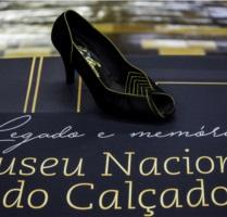 Calçado de Ruy Chaves