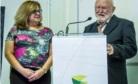 Reitora Inajara ao lado de Lauro Backes na cerimônia