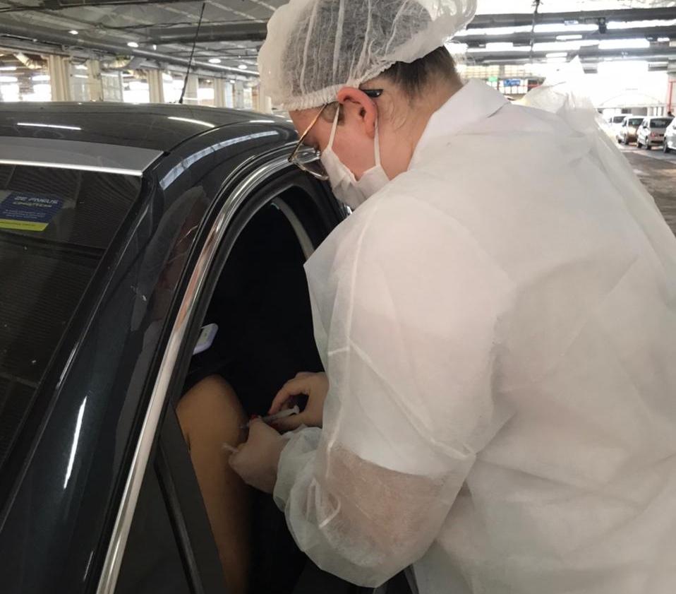 vacinação drive-thru alunos feevale