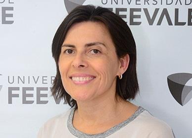 Carla Regina Adam