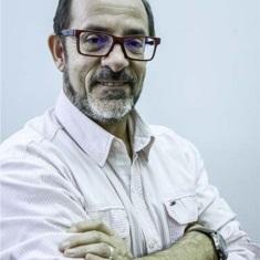 Marcos Emilio Santuario.