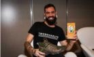 O designer paulista Felipe Gaudio foi vencedor do 1º  Desafio Kisafix com o projeto Adventure Impermeável