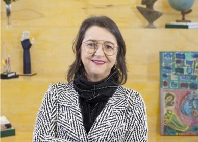 Coordenadora Cristina Ennes da Silva